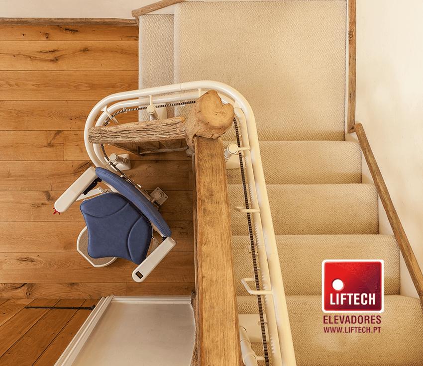 cadeira-escadas